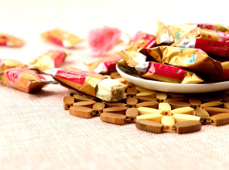 商品名称:礼季和玄义玫瑰酥心糖380g/袋 品牌:礼季和 种类:酥糖 口味