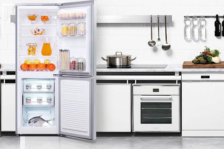 双门冰箱放餐厅效果图